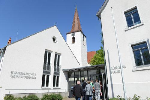 Südwest freiburg evangelische kirche Die Lukaskirche